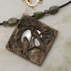 carved-rainforest-parrots-necklace.jpg