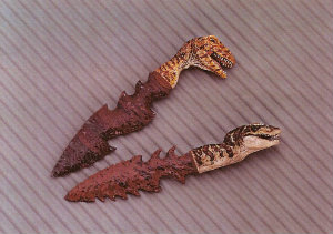 knife-flintknapped-carved-mini-dinosaur-2.jpg